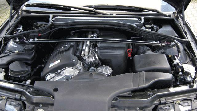Umbau eines BMW M3, E46 für den Straßeneinsatz; Motorraum